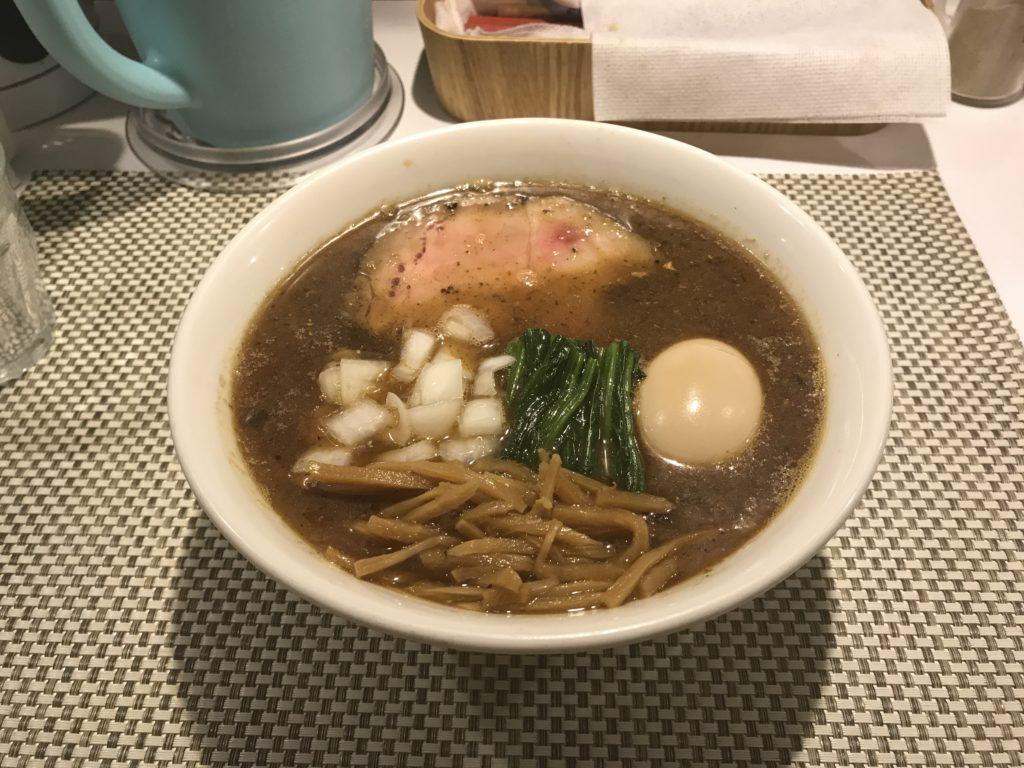 【ラーメンレビュー】経堂:らぁめんややしげるの焦がし煮干しらーめんを食べてみた