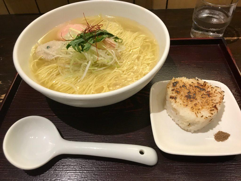 【ラーメンレビュー】新宿:麺屋海神であら炊き塩らぁめんを食べてみた