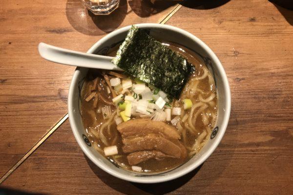 【ラーメンレビュー】新宿:麺屋武蔵 新宿総本店で濃厚ラーメンを食べてみた