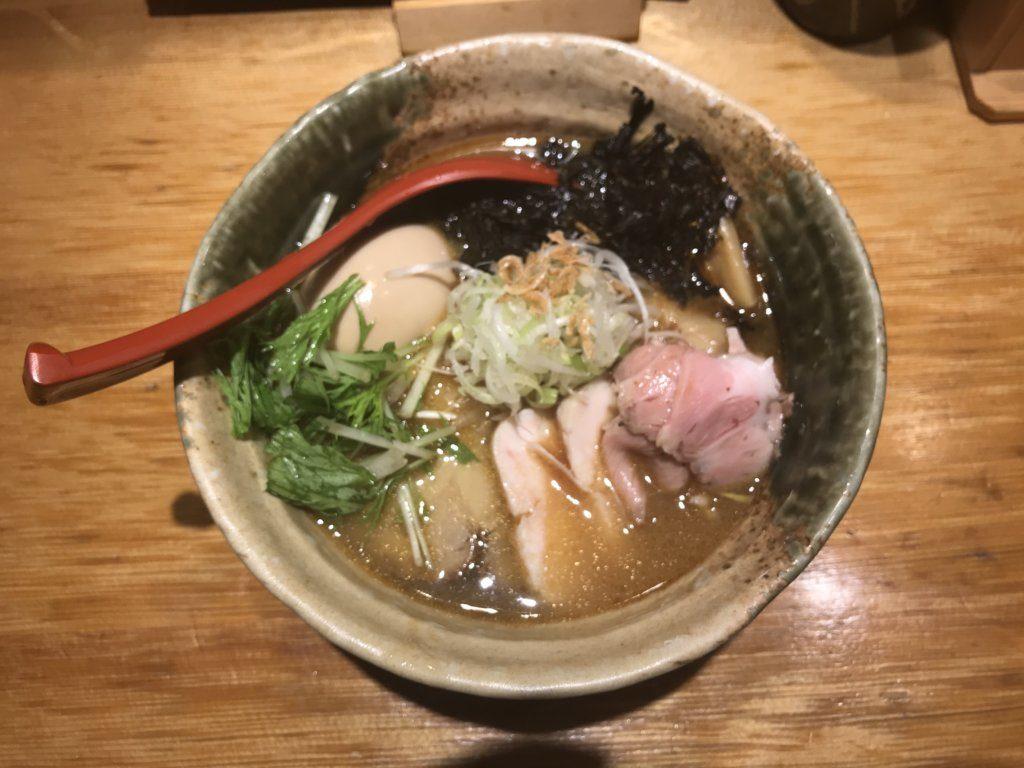 【ラーメンレビュー】西武新宿:焼きあご塩らー麺 たかはしの特製焼きあご塩らー麺を食べてみた