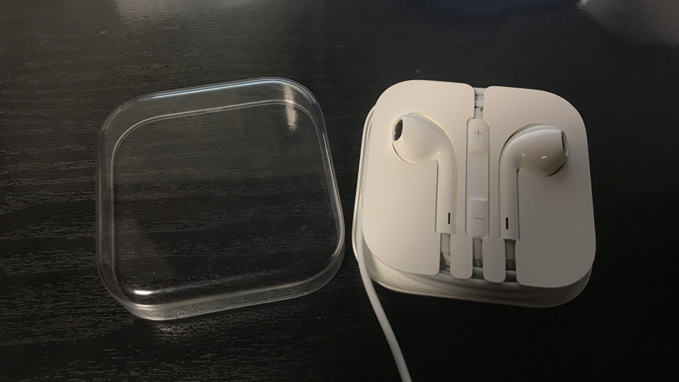 iPhone付属のイヤホンでPS4のボイスチャットはできるのか?