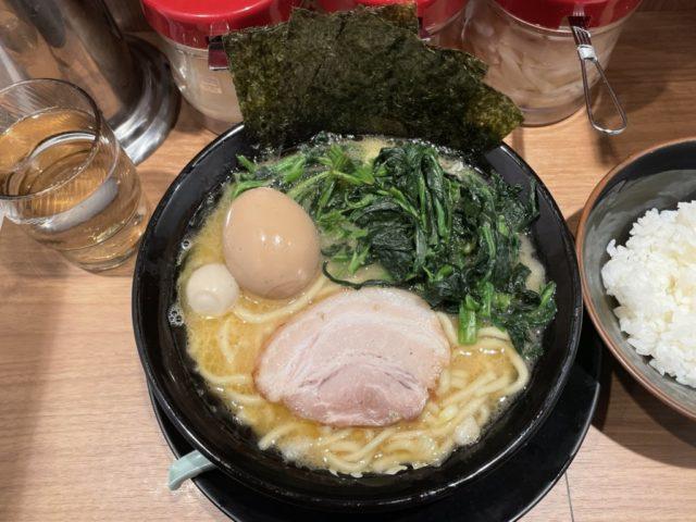 横浜家系ラーメン 町田商店(経堂店)のラーメンを食べてみた【ラーメンレビュー】