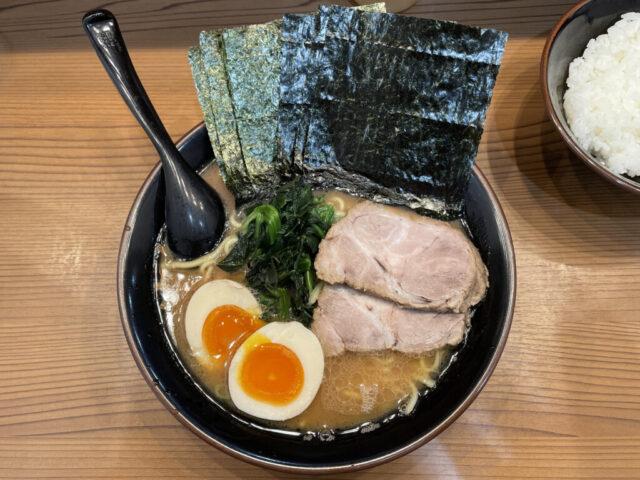 経堂:横浜家系ラーメン ひじり家でひじりラーメンを食べてみた【ラーメンレビュー】